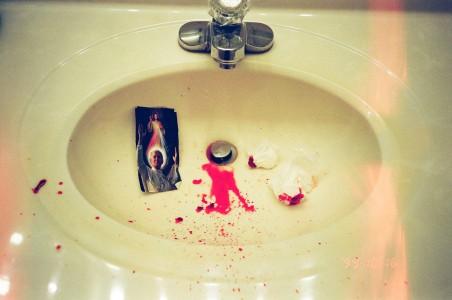 jo_blood sink